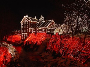 800px-Clifton_Mill_Christmas_2005
